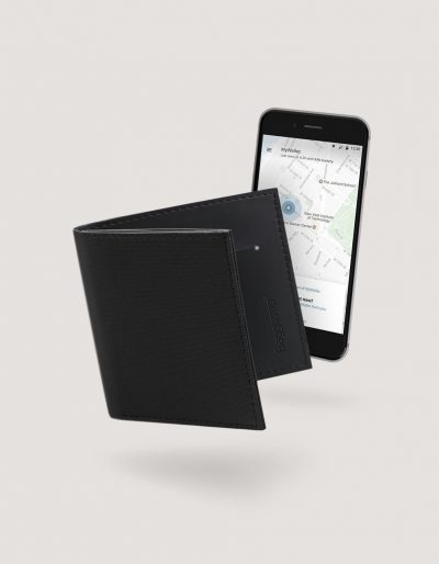 Baggizmo Wiseward smart wallet in jet black color connected to Baggizmo app