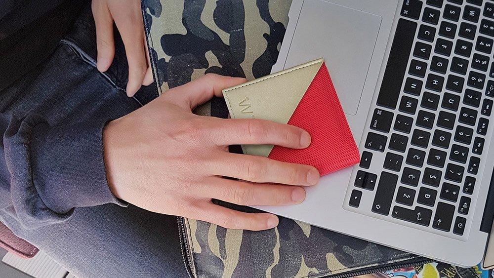 Cardinal red Baggizmo Wiseward Essential wallet on Macbook